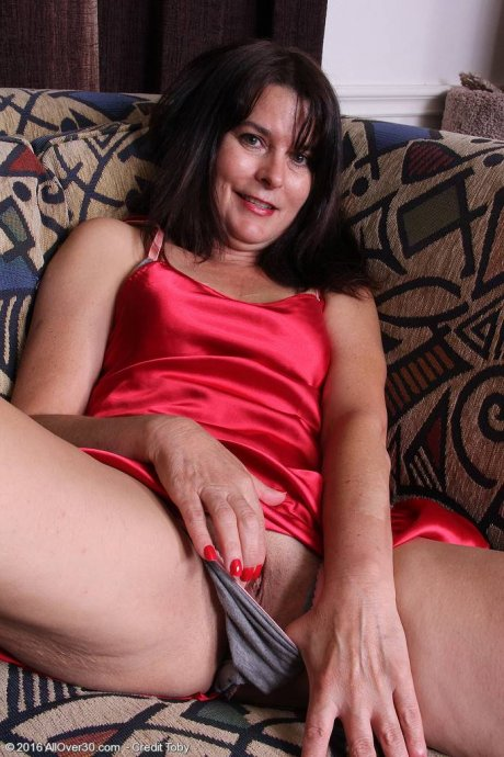 Sexy Sherry Lee slips out of her nightie at AllOver30