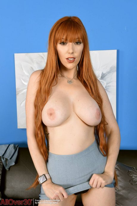 Redhead MILF Lauren Phillips shows off her perfect tits at AllOver30