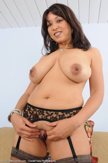 Busty housewife Lala Bond shows off her pussy at AllOver30
