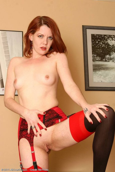 Redhead MILF Lilla Katt spreads her ass wide at AllOver30