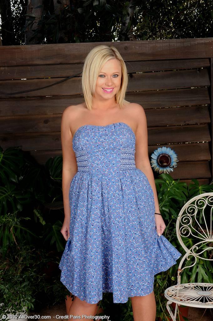 Blonde mature MILF Anna Joy strips at AllOver30   HD AllOver30