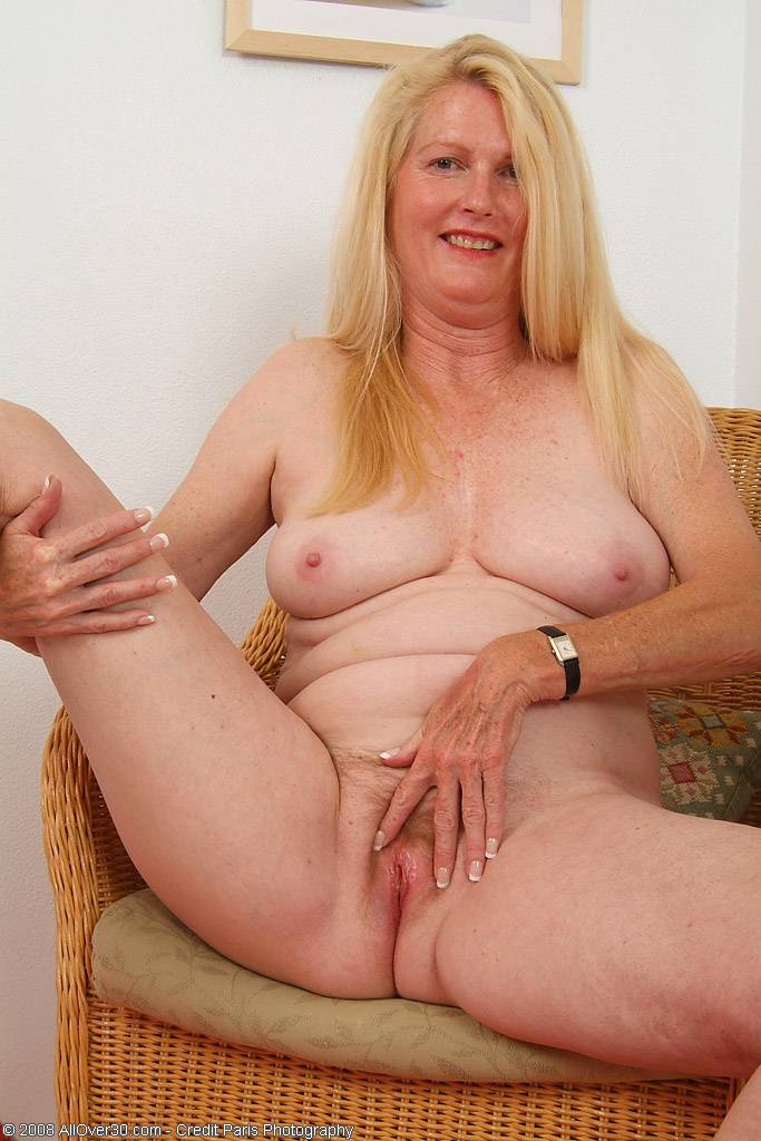 Blonde mature Josie loves to show of her pussy at AllOver30
