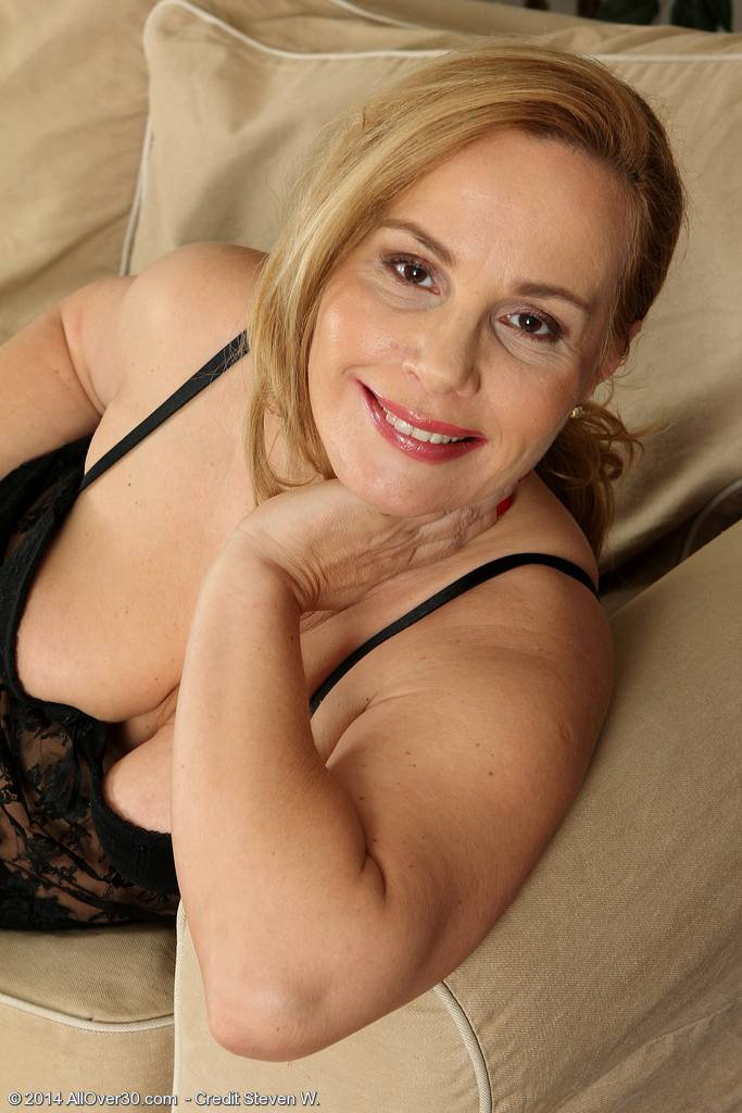 Mature Viky Loving Her Black Stockings And Lace At Allover30
