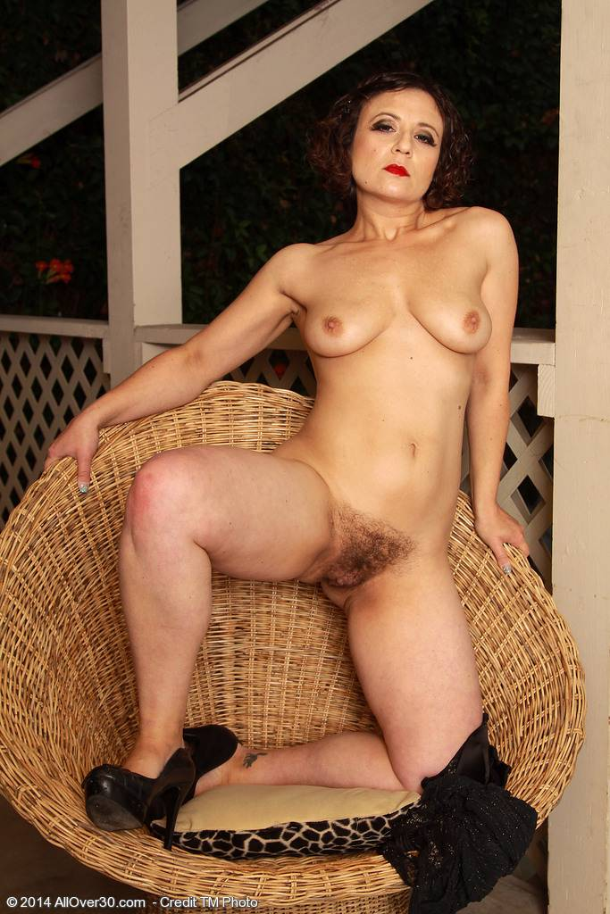 Cute 36 Year Old Anna P Gets Naked And Shows Her Bushy Pussy Outside At Allover30
