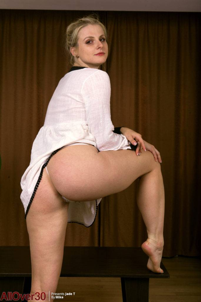 Jade T Seductive Blonde At Allover30