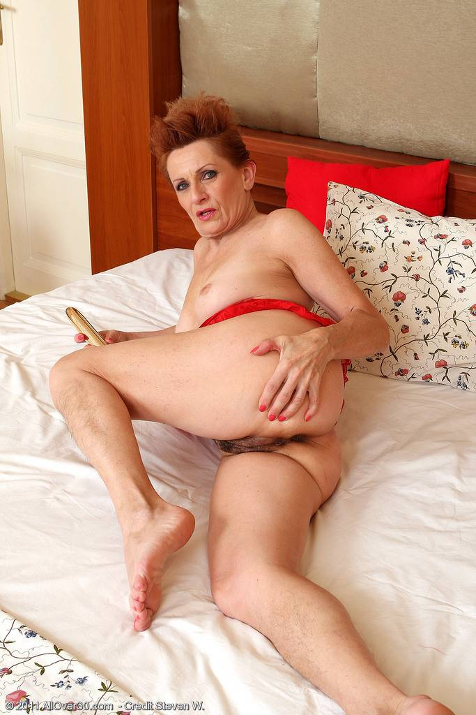 58 Year Old Lucy O Crams Her Mature Pussy With Her Toy At Allover30
