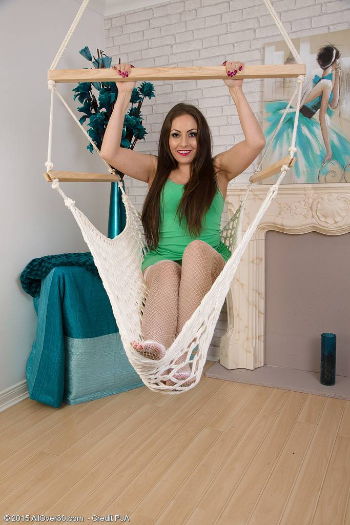 Hanging Hammock 31 Year Old Sopia Delane Rubs Her Cookie At Allover30