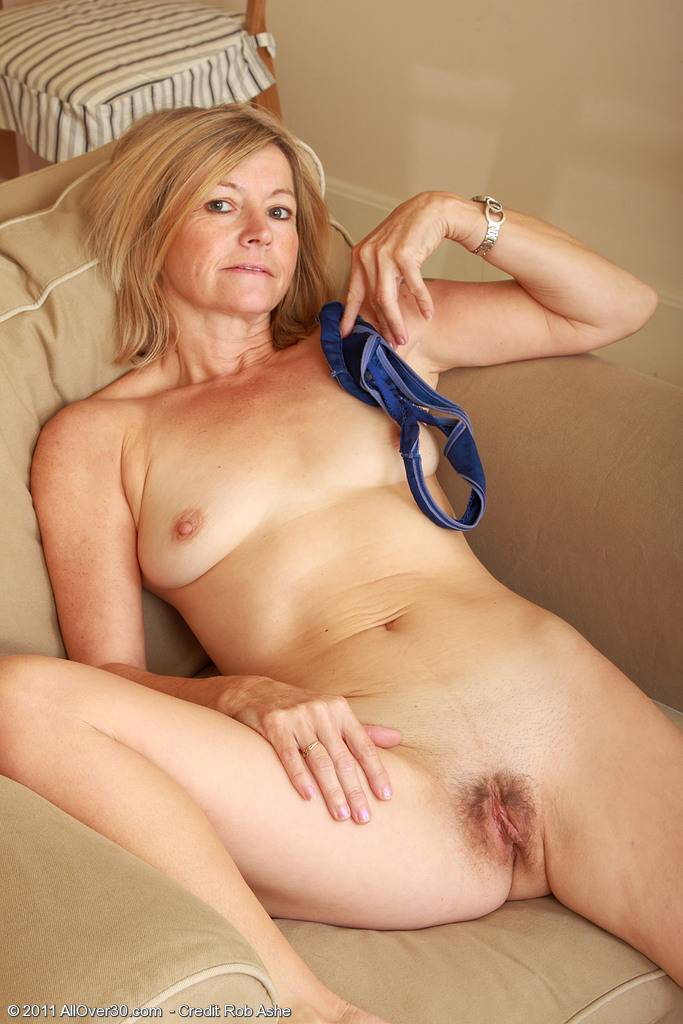 Blonde 48 year old MILF Susie spreads her ass wide for you guys at AllOver30